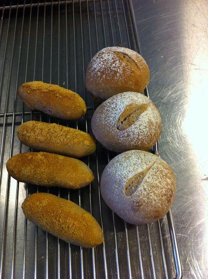 5月のパン.jpg